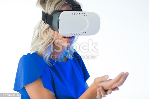 609822310istockphoto 3D glasses headset 877366316