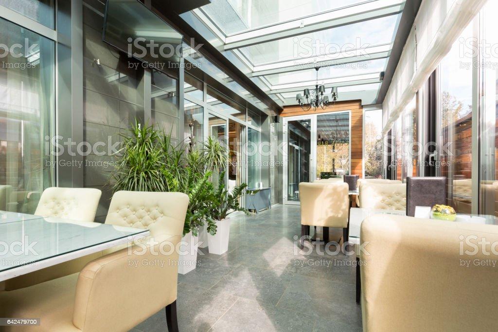 Interior De La Terraza De Restaurante Acristalado Foto De Stock Y Más Banco De Imágenes De Arte Cultura Y Espectáculos