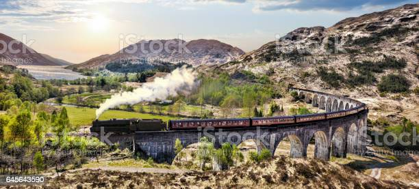 Glenfinnan railway viaduct in scotland with the jacobite steam train picture id645643590?b=1&k=6&m=645643590&s=612x612&h=rvdbrhxftc5yx2b7bgll 03lulkdd8vlb1z9zdw owa=