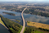 istock I-205 Glenn Jackson Bridge War Vetrans Memorial Freeway  Oregon Washington 183526890