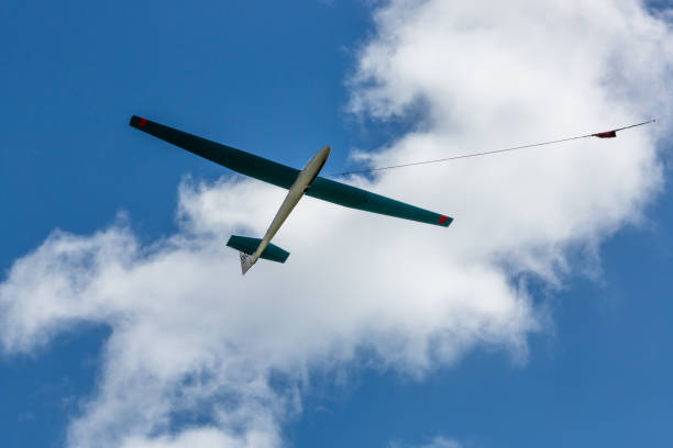 glider winch launch - stephen lynn stock pictures, royalty-free photos & images