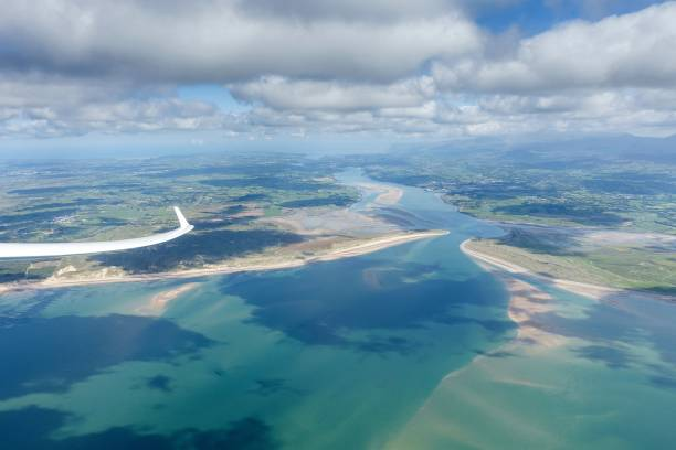 gliding in north wales - stephen lynn stock pictures, royalty-free photos & images