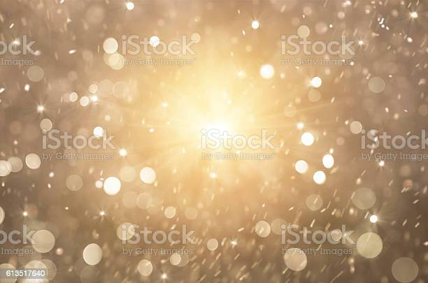 Glitter golden lights background christmas lights picture id613517640?b=1&k=6&m=613517640&s=612x612&h=aqyjvqdc9iidhaucyxhrqq ahryyv70wxwidv97 t04=
