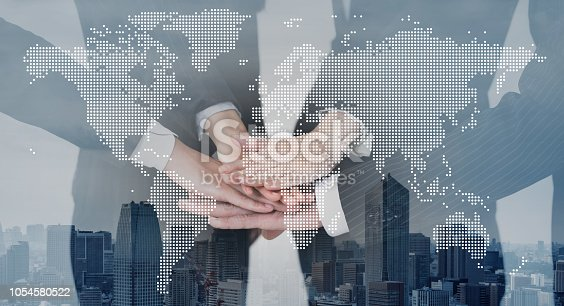 811259350istockphoto Global business concept. 1054580522