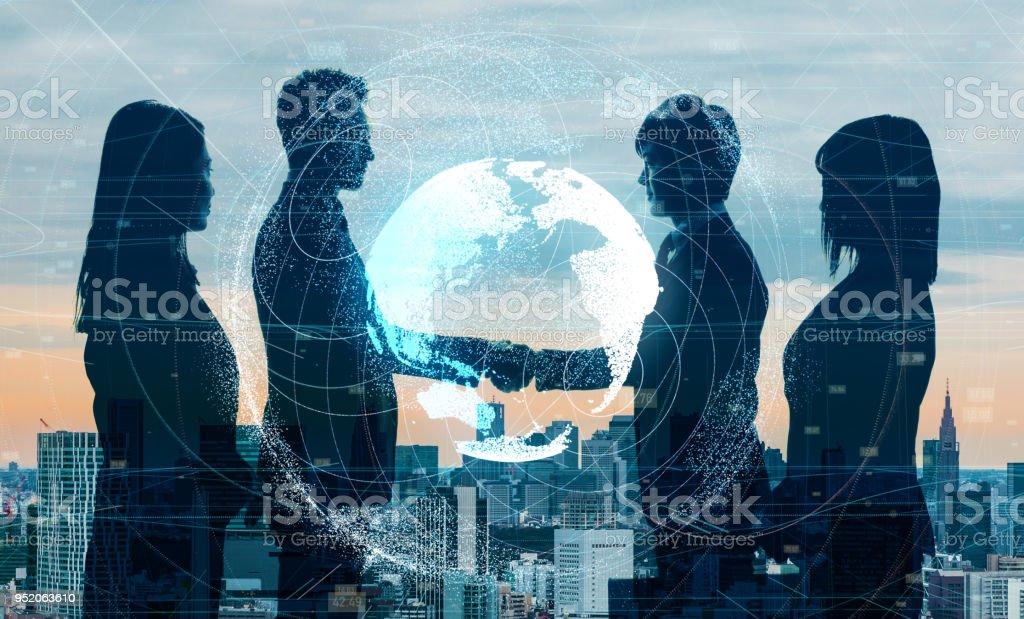 Global affärsidé. Skakande händer näringsidkare. bildbanksfoto