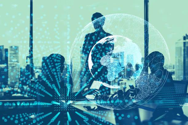 グローバル ビジネス コンセプトです。ビジネス人とコミュニケーション ネットワークのシルエット。 ストックフォト