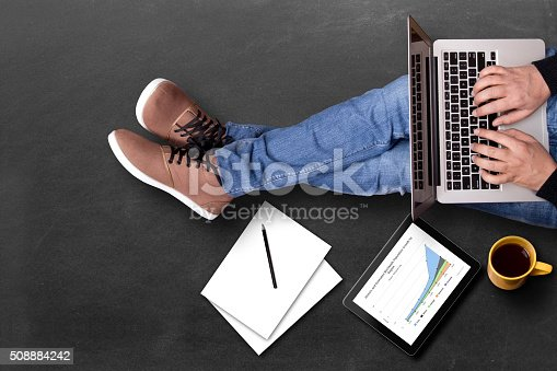 525811918 istock photo Global business growth graph analyzing with laptop 508884242