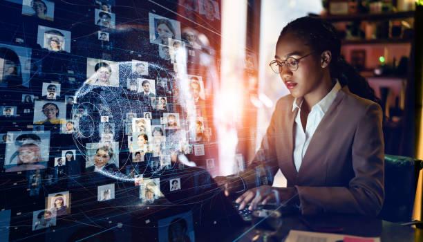 koncepcja globalnej sieci komunikacyjnej. media społecznościowe. biznes na całym świecie. - sieć komputerowa zdjęcia i obrazy z banku zdjęć