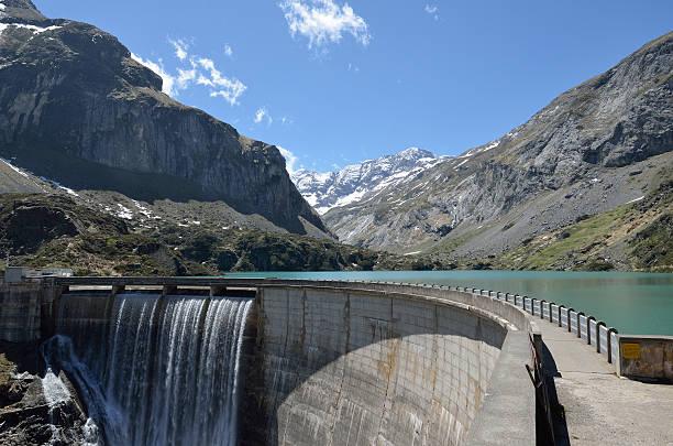 gloriettes dam in der französischen pyrénées - boundary waters stock-fotos und bilder