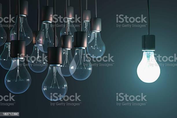 Leuchtende Glühbirne In Der Gray Stockfoto und mehr Bilder von Geistiges Eigentum