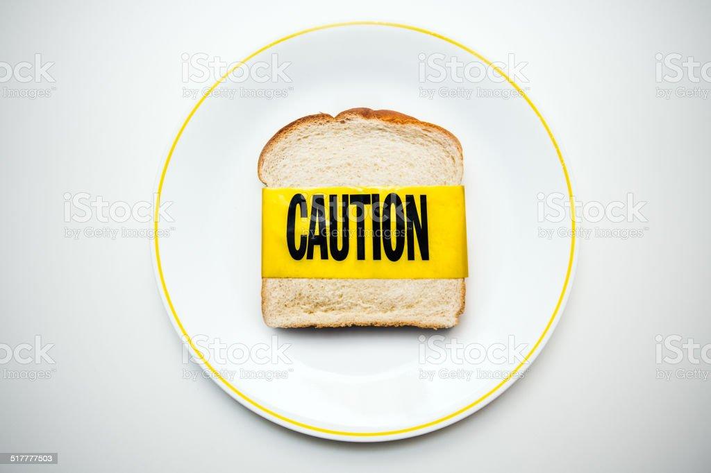 Gluten y trigo con tratamiento hipoalergénico precaución - foto de stock