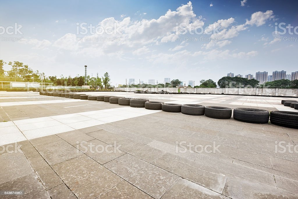 go cart track skyline and modern buildings bildbanksfoto