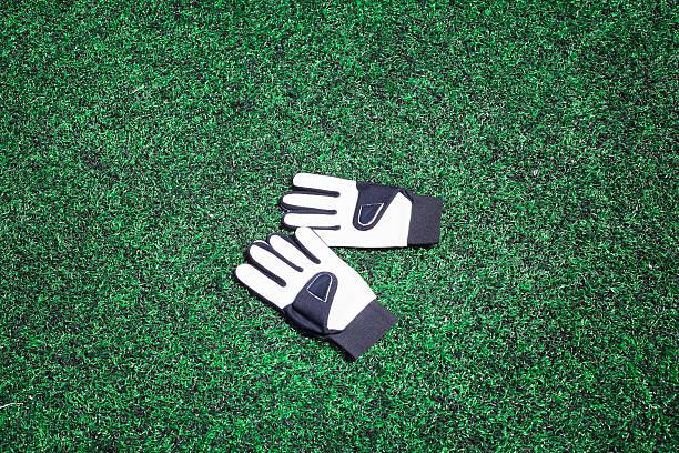 Torwart-Handschuhe auf Fußballplatz – Foto