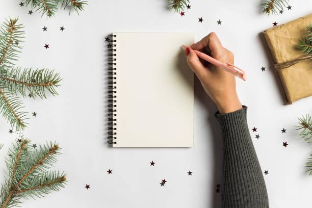 ziele träume pläne to do-liste für das neue jahr weihnachten konzept schreiben - weihnachts wunschliste stock-fotos und bilder