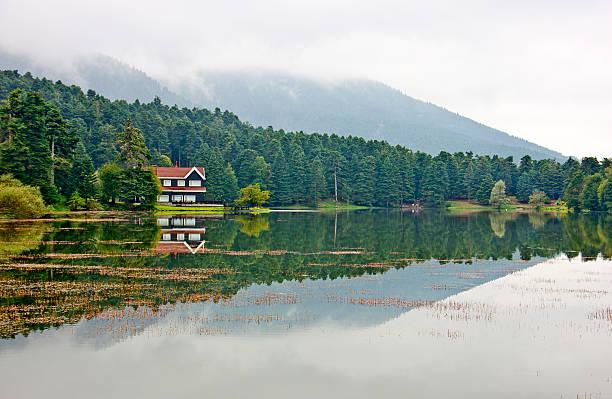 golcuk lake, bolu ,turkey - 볼루 뉴스 사진 이미지