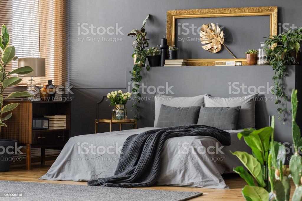 Gold Und Grau Elegante Schlafzimmer Stockfoto Und Mehr Bilder Von Bett Istock