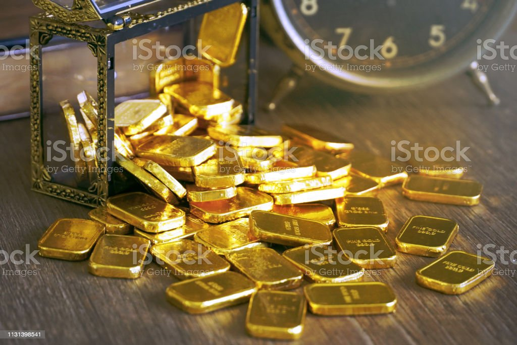 Gold bar spill out from treasure chest