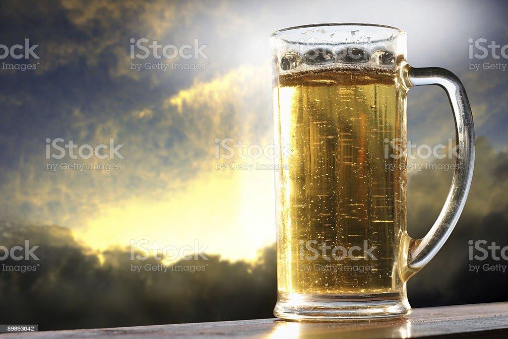 Gold пиво Стоковые фото Стоковая фотография