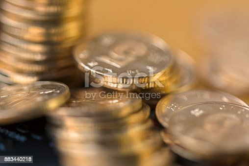 istock Gold coin 883440218