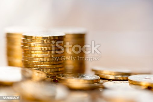 istock Gold coin 883656806