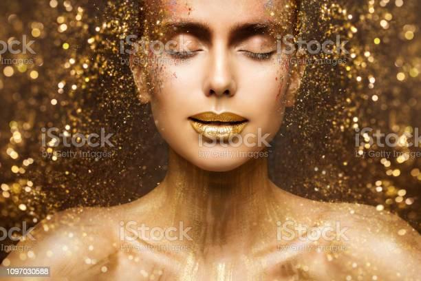 Gold fashion makeup art beauty face lips make up in golden sparkles picture id1097030588?b=1&k=6&m=1097030588&s=612x612&h= oru7lesx4edakghz9kqj07gmcm0c jpukliwnmehoa=
