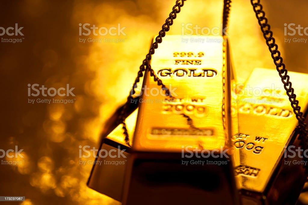 Gold Barra de Ouro na balança - foto de acervo