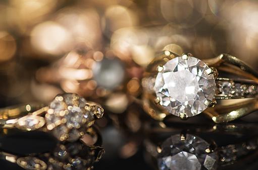 Gold Jewelry-foton och fler bilder på Bildskärpa