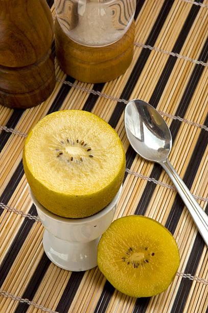 Gold Kiwi für Frühstück, 3 – Foto