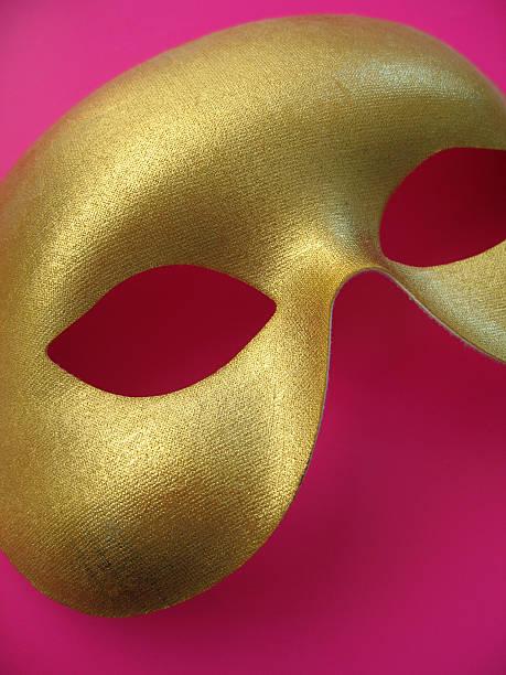 goldene maske 1 - rosa camo party stock-fotos und bilder