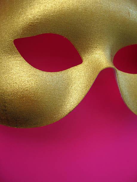 goldene maske 2 - rosa camo party stock-fotos und bilder
