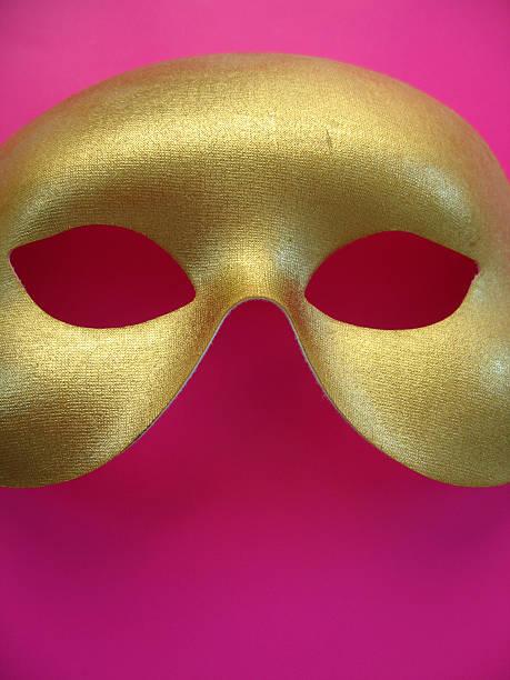 goldene maske 4 - rosa camo party stock-fotos und bilder