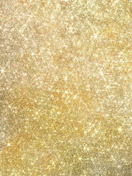 gold glänzendes perlmutt-pailletten und glitzer hintergrund - promi schmuck stock-fotos und bilder