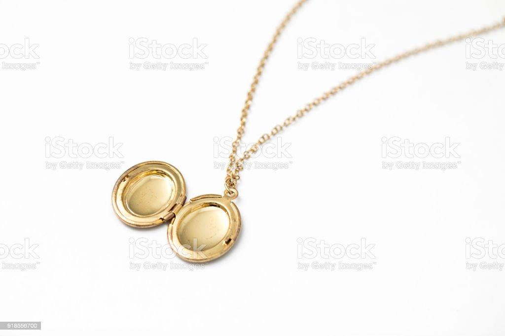 5e6a71471614 Gold Anhänger Medaillon Halskette Stock-Fotografie und mehr Bilder ...