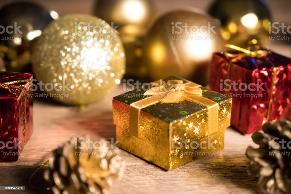 Weihnachtsfeier Dekoration.Gold Mit Dekoration Für Weihnachtsfeier Für Glückliches Neues Jahr