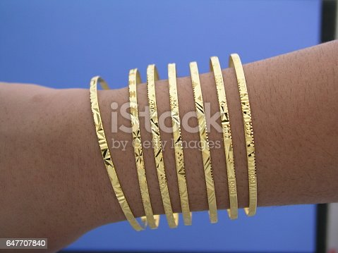 18k Gold seven day Bangle bracelet