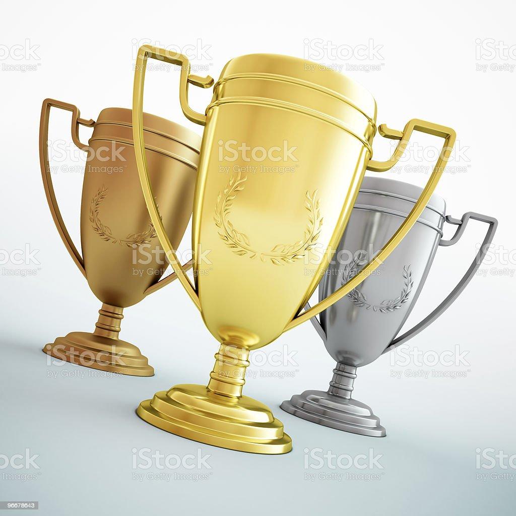 Gold, Silber und bronze-drei glänzende Pokale – Foto