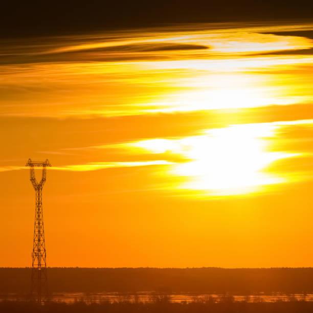 gold sunset sky - großes 1x1 stock-fotos und bilder