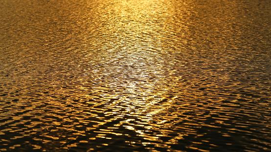 Gold Wasser Welle Hintergrund Stockfoto und mehr Bilder von Abstrakt