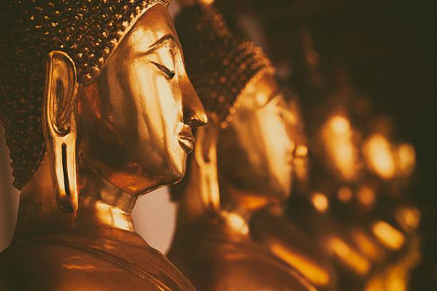Golden buddhas foto