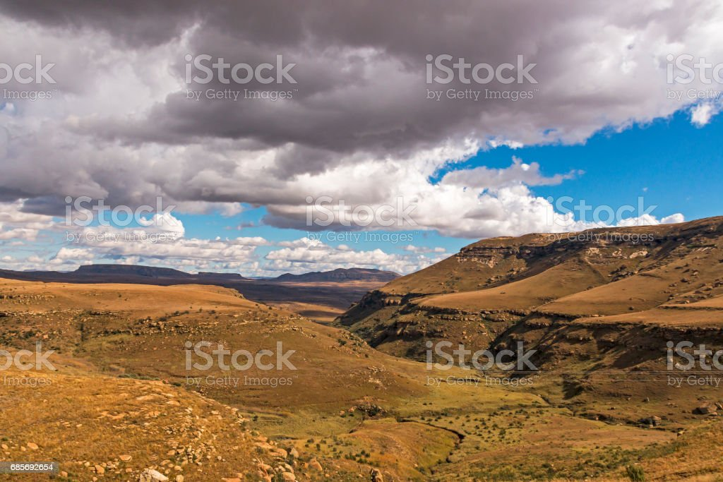 Golden Cold Dry Winter Landscape and Rocky Mountain royalty-free 스톡 사진