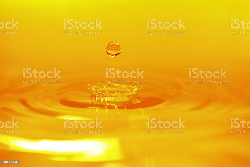 Di colore dorato acqua a sfondo-XXXXXLarge - foto stock