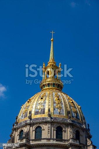 istock Golden Dome 990857762