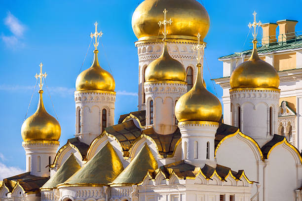 Golden domes of the Russian Church http://www.mordolff.ru/is/_lb__red_square_moscow.jpg moscow russia stock pictures, royalty-free photos & images