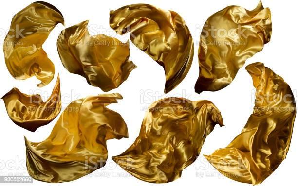 Goldenen Fliegen Gewebe Fließt Winken Goldstoff Leuchten Gelbe Kleidung Drapiert Stück Weiß Isoliert Stockfoto und mehr Bilder von Textilien