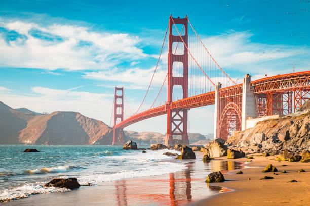 Golden Gate Bridge bei Sonnenuntergang, San Francisco, Kalifornien, USA – Foto
