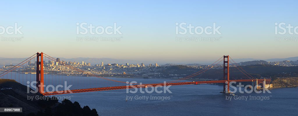 Golden Gate Bridge illuminato dal sole foto stock royalty-free