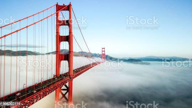 Golden Gate Bridge Stockfoto en meer beelden van Architectuur