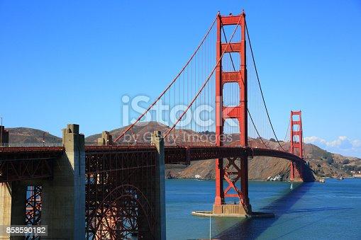 514642440 istock photo Golden Gate Bridge, San Francisco 858590182