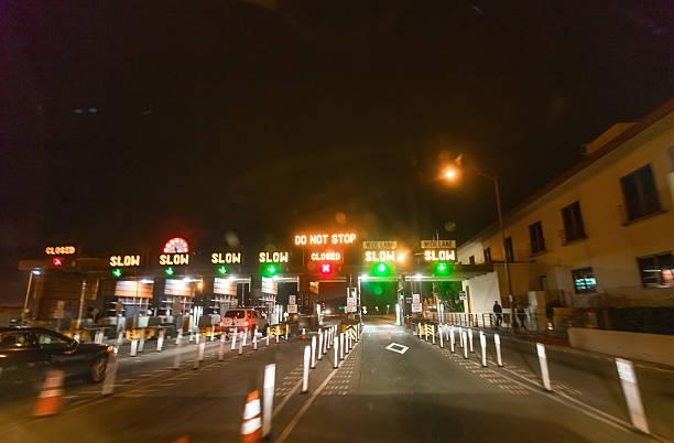 Golden gate bridge toll san francisco on a foggy day picture id611633878?b=1&k=6&m=611633878&s=612x612&w=0&h=xqcxy0q2nmcauwenyokk q4xypqhxenrncfnckthycg=