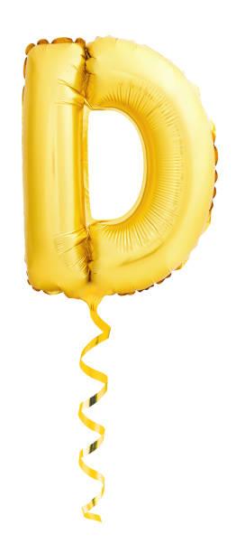 Goldenen Buchstaben D gemacht von aufblasbaren Ballon mit goldenen Band – Foto